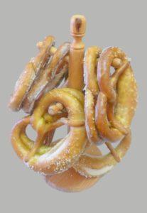 gros bretzel frais salé ou gratiné