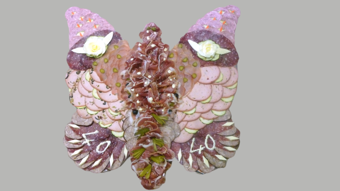 plat de charcuterie assortie, forme papillon