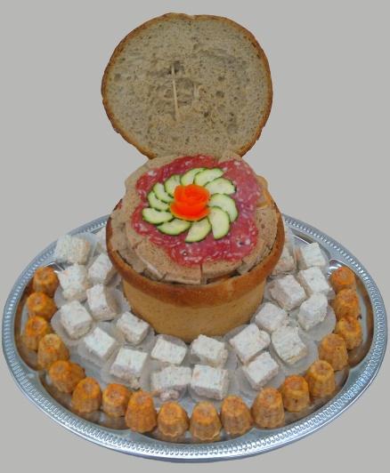 pain surprise accompagné de bouchées apéritives